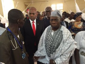 Former Nigerian President, Chief Olusegun Obasanjo, UBA Group Chairman and Founder, The Tony Elumelu Foundation, Tony O. Elumelu and President of Sierra Leone, His Excellency President Ernest Koroma during their visit to the survivors of the mudslides at the Connaught Hospital in Freetown and the donation of $500,000.00 by Elumelu on Wednesday