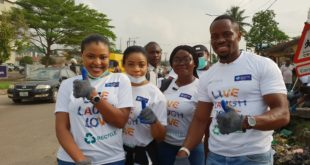 L-R: Miss Izore Bamawo, Head CSR, Keystone Bank Limited; Miss Blessing Ayorinde CSR,Keystone Bank Limited; MissOlowu Omobolanle, Head,Business Development, Wecyclers and Mr. Olawale Adebiyi, COO, Wecyclers, during the clean – up exercise at SURA Market, Lagos to mark the 2019 World Recycle Day, recently.